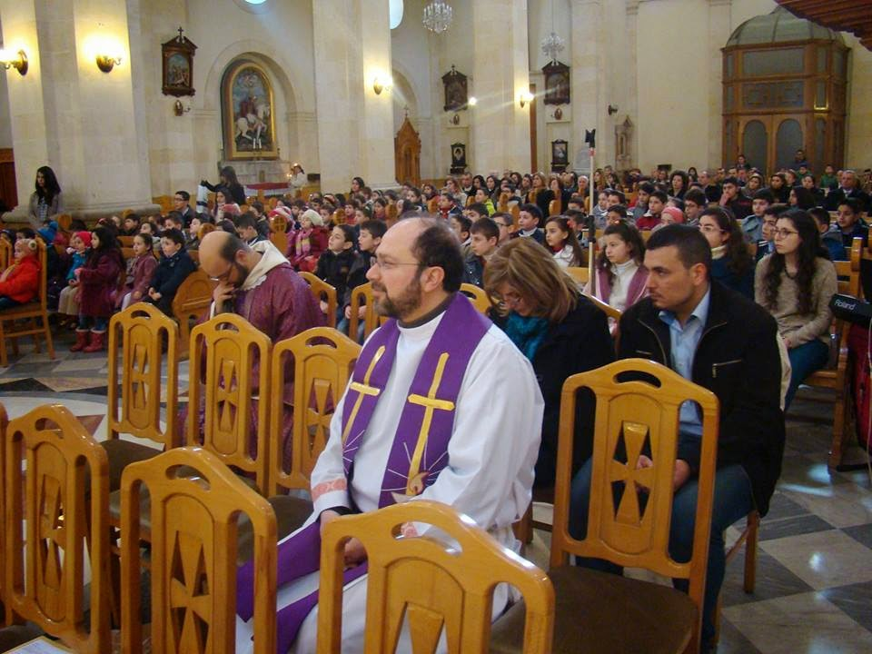 fra-Ibrahim-in-chiesa