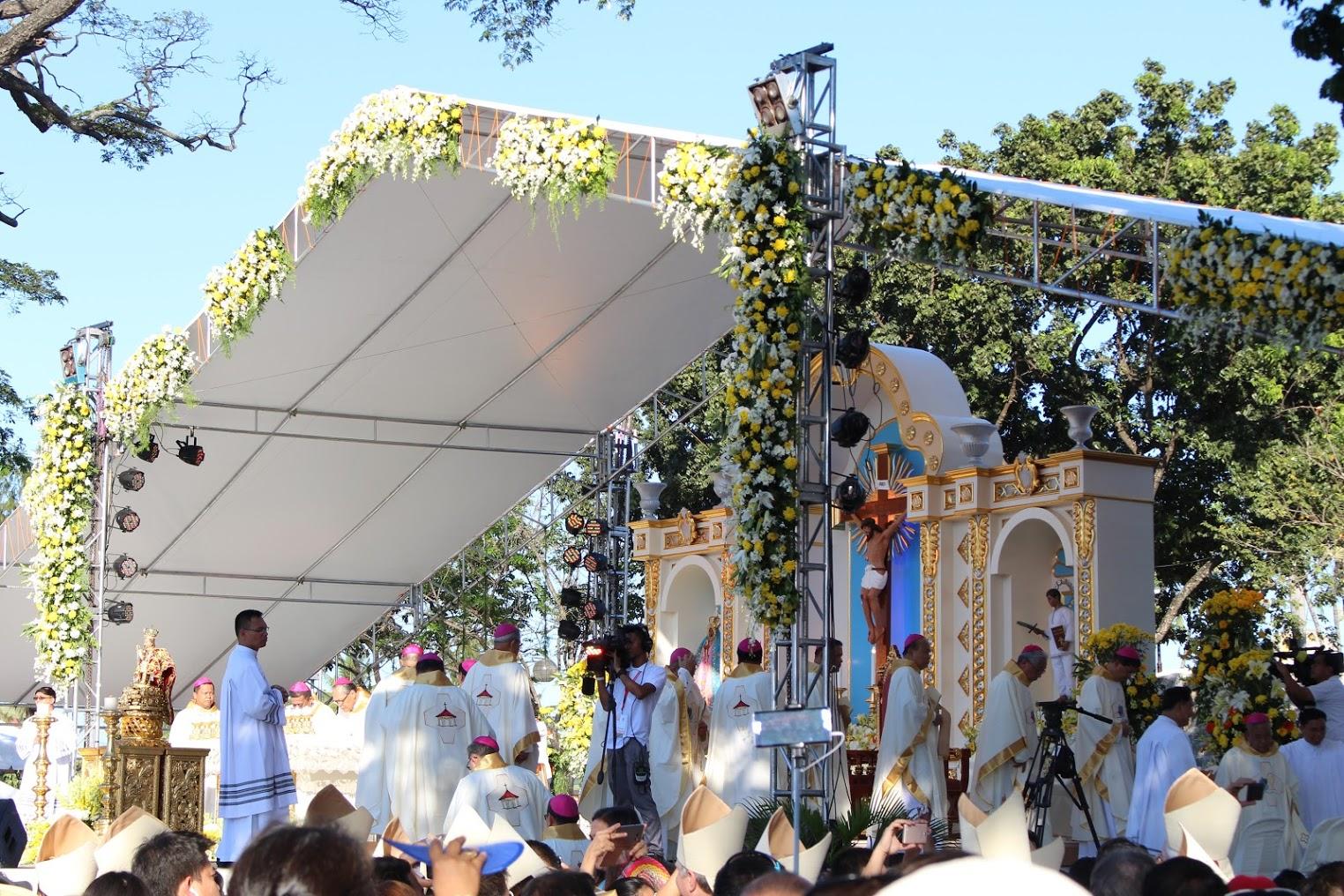 Messe d'ouverture du Congrès eucharistique international sur la place de l'Indépendance à Cebu (Philippines)