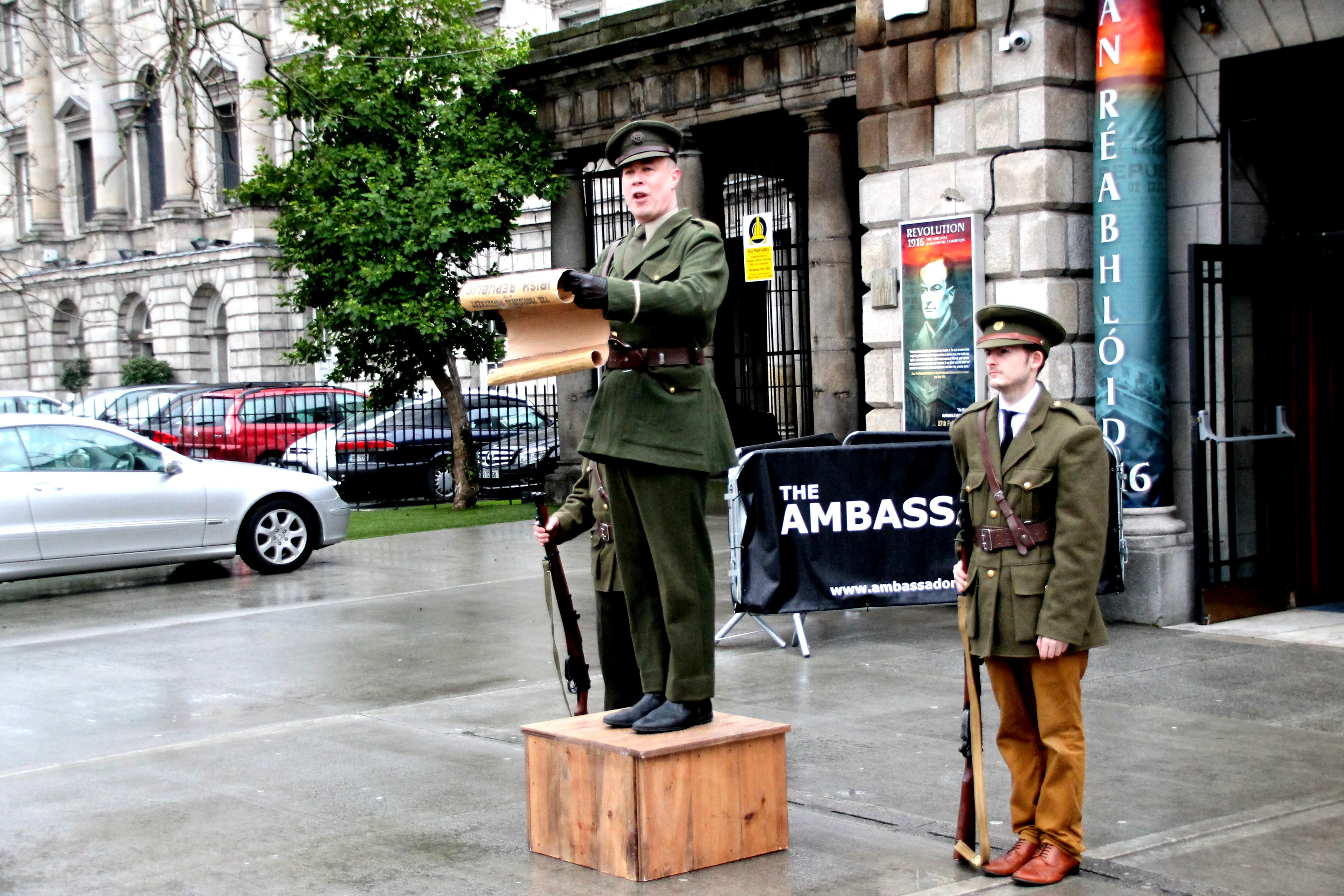Photo n°6 - Patrick Pearse lisant la Proclamation de Pâques
