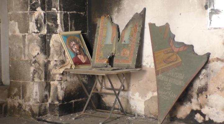 Traces du passage des islamistes dans l'église Sainte-Thècle de Maaloula © Charlotte d'Ornellas