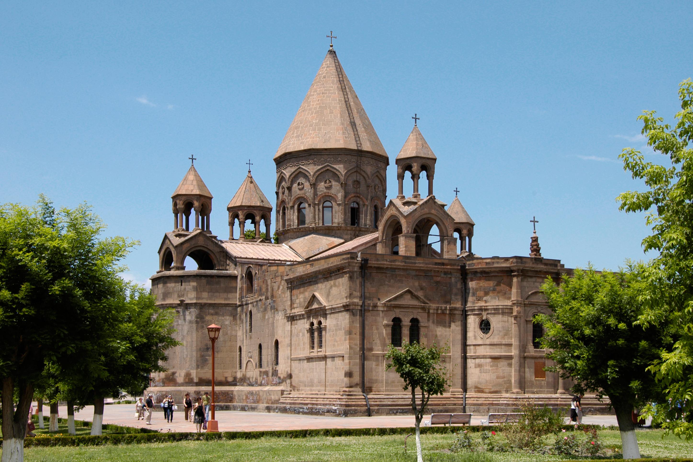 WEB CATHEDRAL ETCHMIADZIN ARMENIA CATHOLIC © Areg Amirkhanian CC