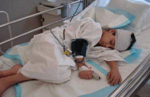 Un enfant parmi les blessés de guerre en avril 2015 © Baroudeurs de l'Espoir