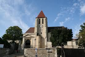L'église Saint-Germain-de-Charonne située derrière le cimetière du Père-Lachaise © DR