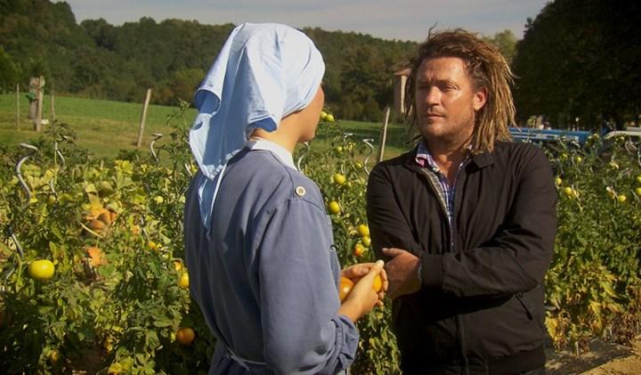 Discussion entre Olivier et une jeune novice. Dans les yeux d'Olivier, le mystère de la foi © France 2