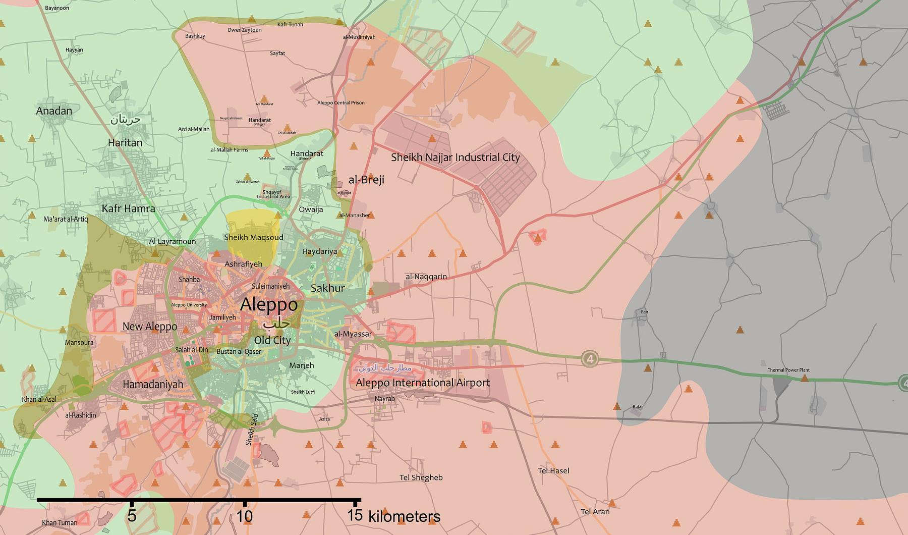 La situation à Alep fin juin 2016. En vert les rebelles contrôlent l'Ouest de la ville. En Rouge l'armée arabe syrienne contrôle l'Est.
