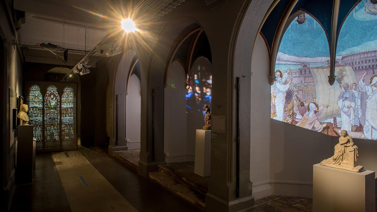 Première salle de l'exposition intitulée Lyon à Marie © Musée d'art religieux de Fourvière