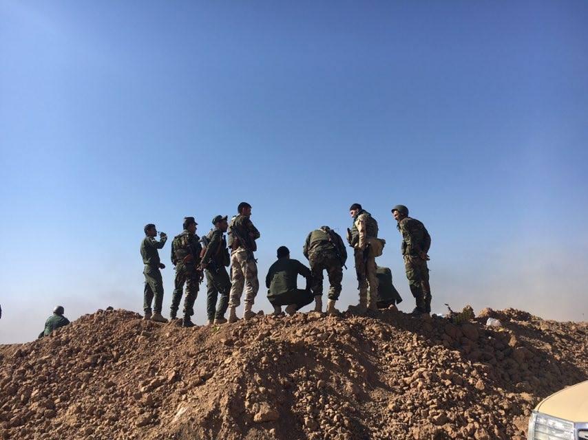 Des Peshmergas sur le front © SOS Chrétiens d'Orient