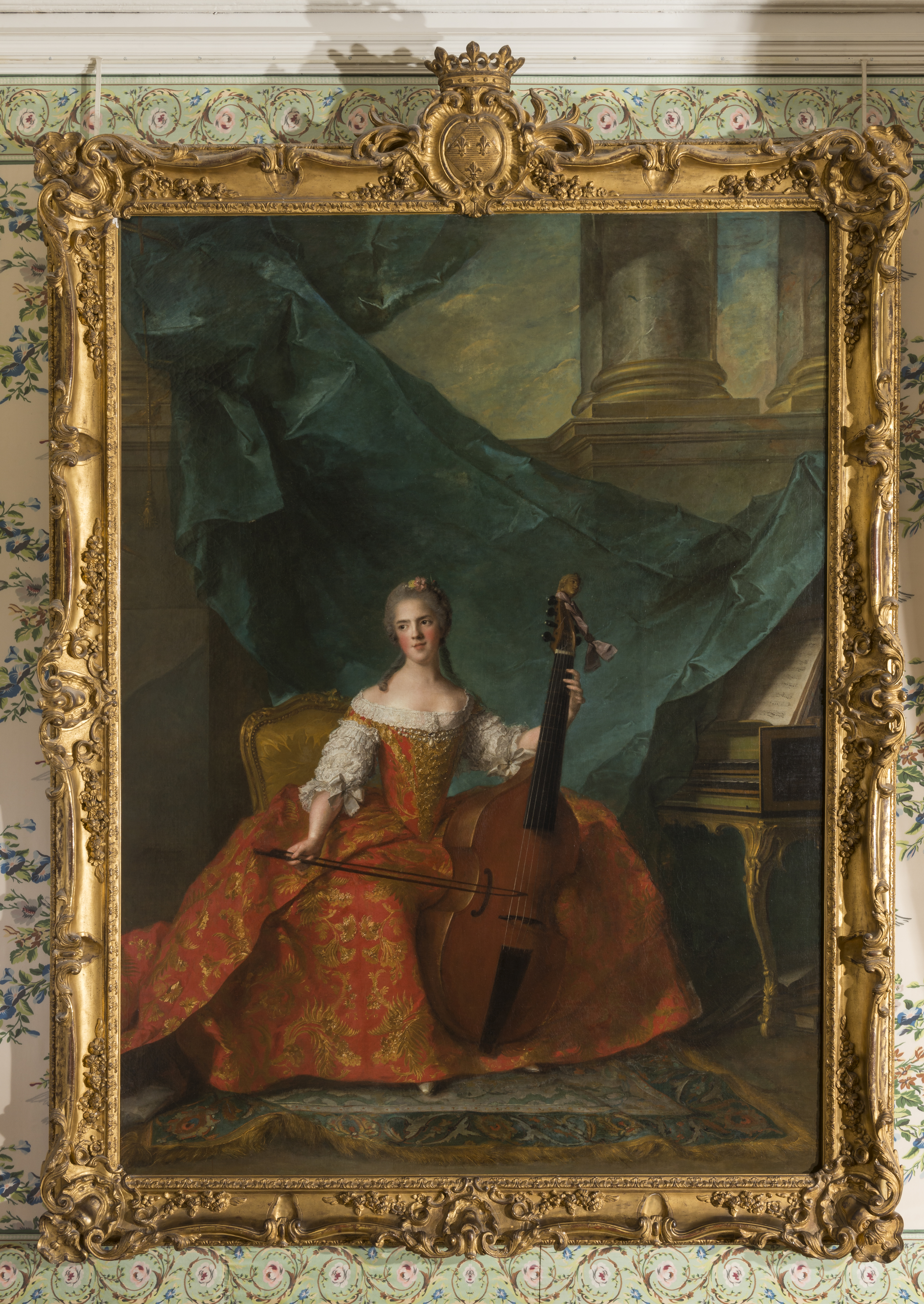madame_henriette_de_france_1727-1752_jouant_de_la_basse_de_viole