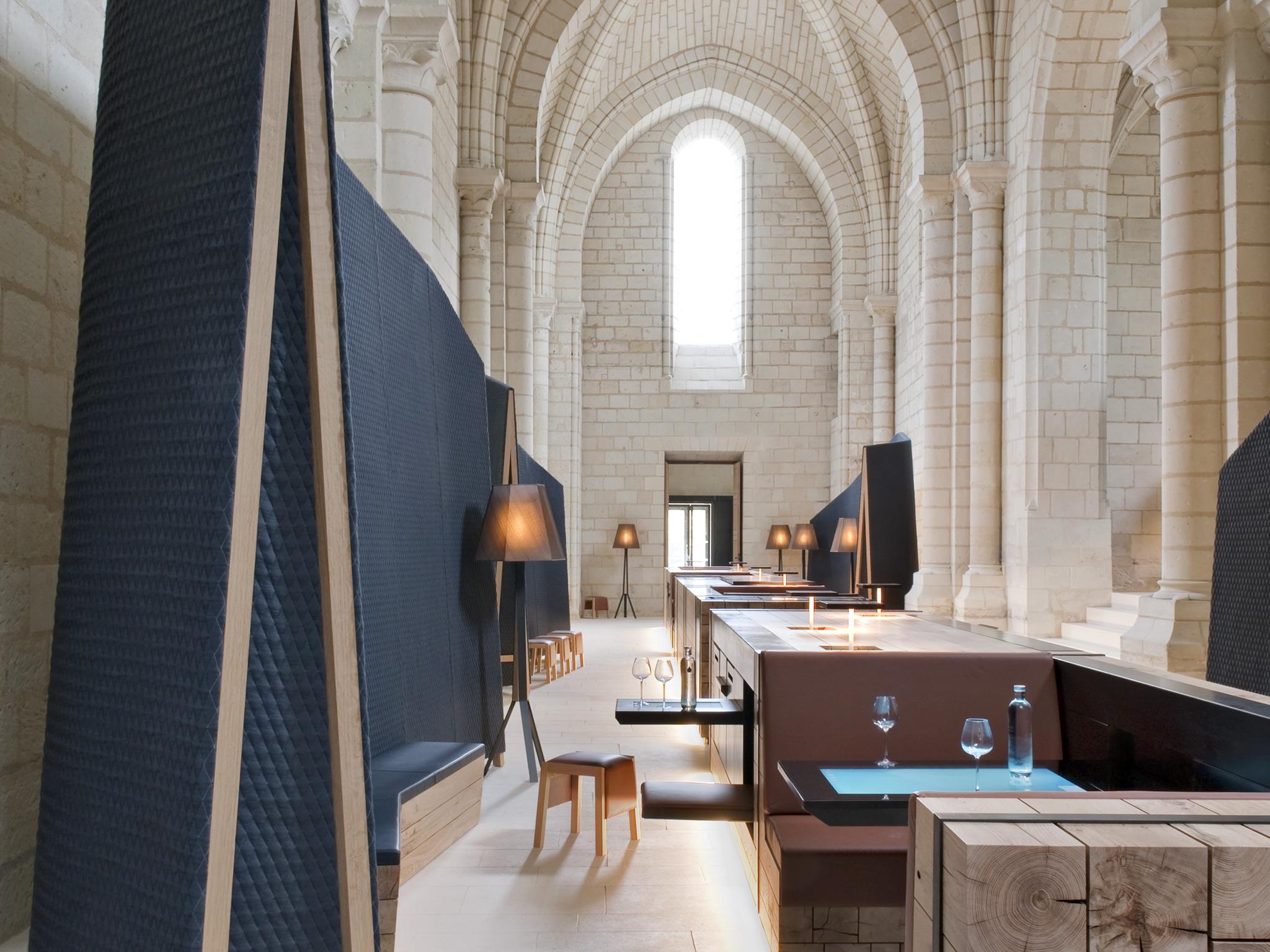 hébergement insolite : dormir dans l'abbaye hôtel de Fontevraud