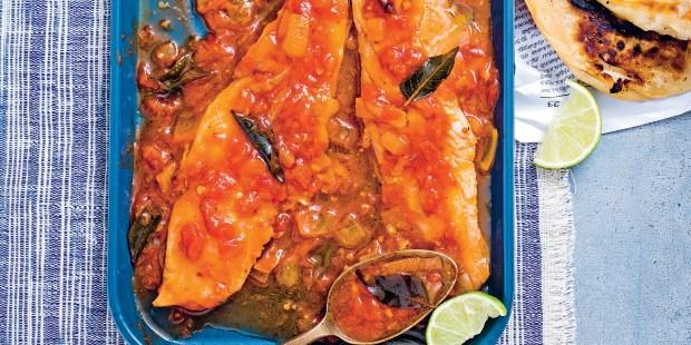 Filets de merlu, sauce tomatée à l'ail
