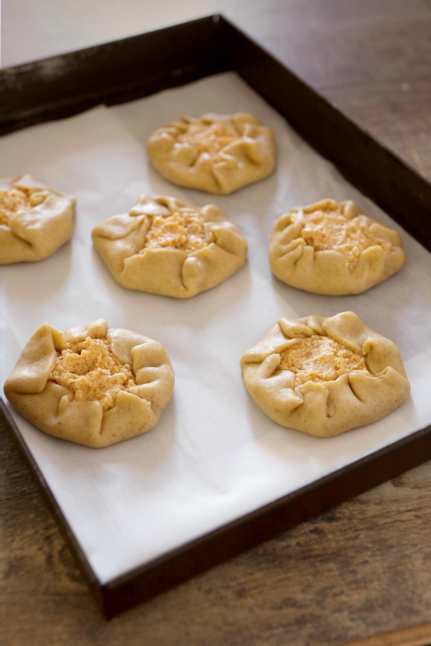 Tartelettes aux miettes de pain de Sonia Ezgulian