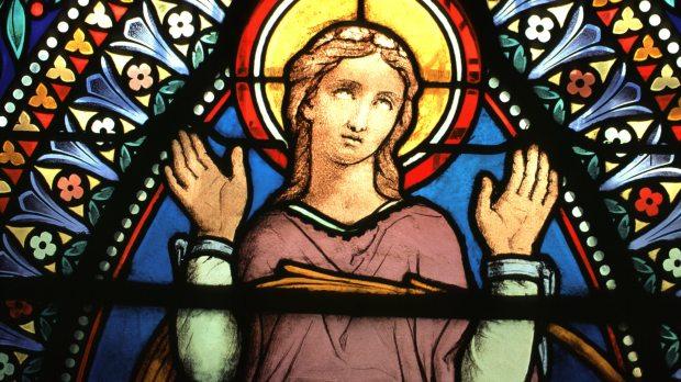 Sainte Blandine (IIe siècle) a été condamnée à mort par l'empereur Marc Aurèle. Mais cette mise à mort ne s'est pas déroulée comme prévu, le grill ne l'a pas brûlée, le lion n'a l'a pas mangée. Et c'est entre les cornes d'un taureau qu'elle a trouvé la mort. © Lionel AMANS/CIRIC