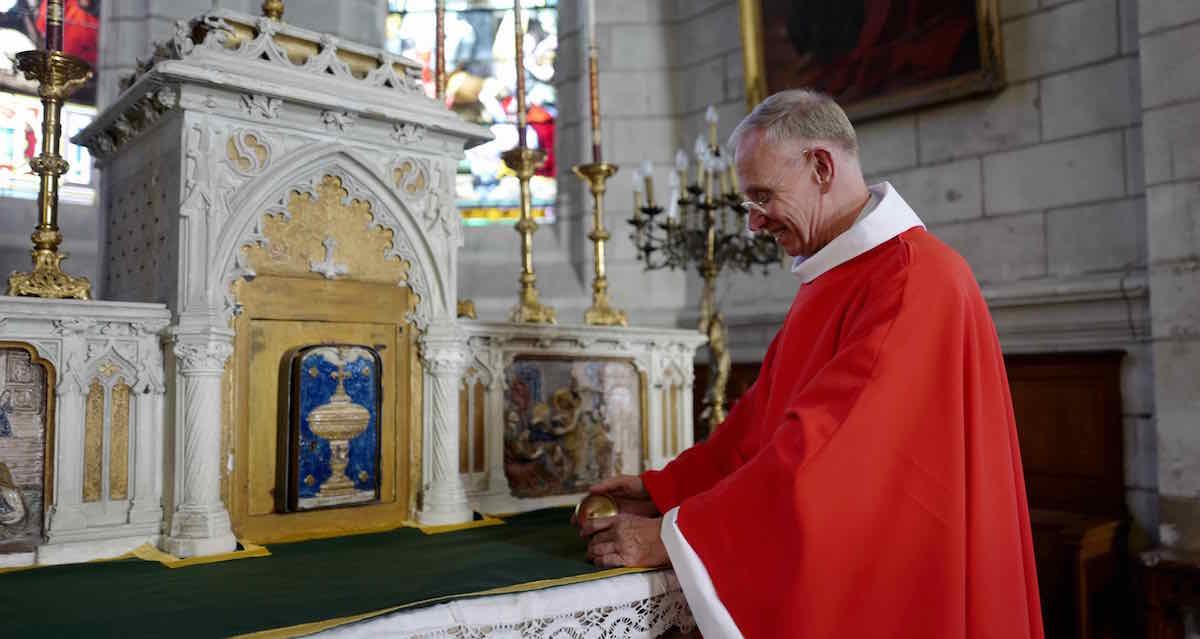 Mgr François du Sartel, curé de la cathédrale de Tours © Sabine de Rozières