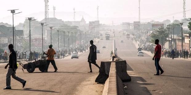 Le 3 avril 2017 sur le boulevard Lumumba à Kinshasa (RDC) pendant la grève générale organisée par l'opposition.© AFP PHOTO / JUNIOR D.KANNAH