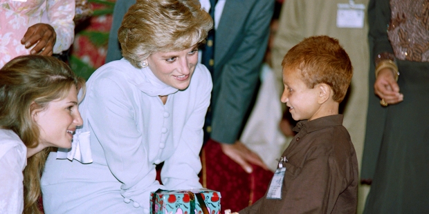 LADY DIANA WITH CHILDREN