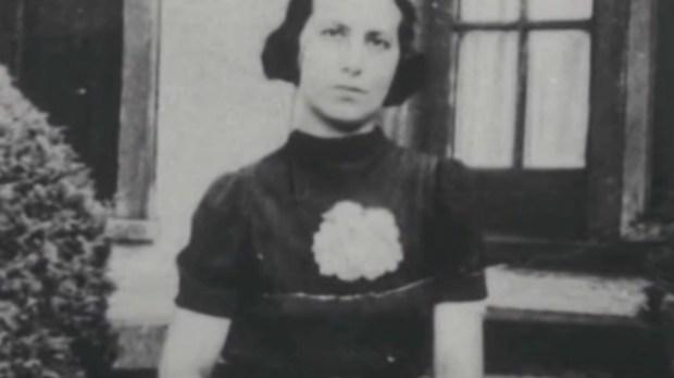 JULIA CROTTA