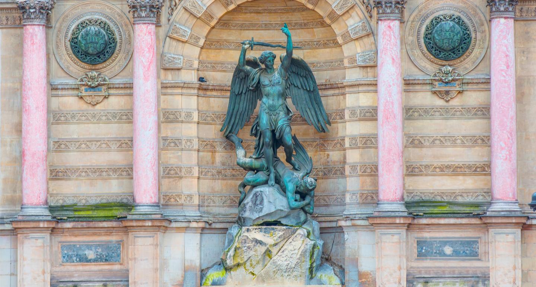 STATUE SAINT MICHEL A PARIS