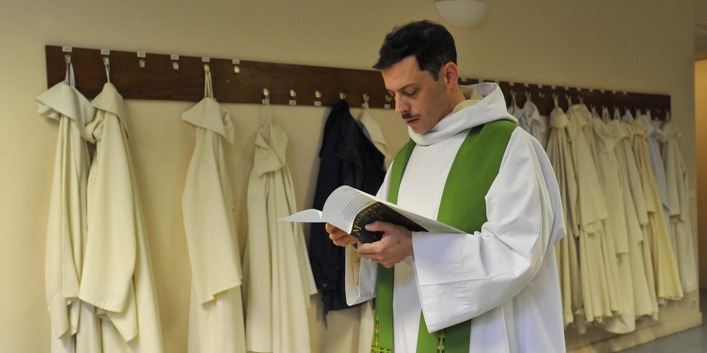 PRIEST ALB