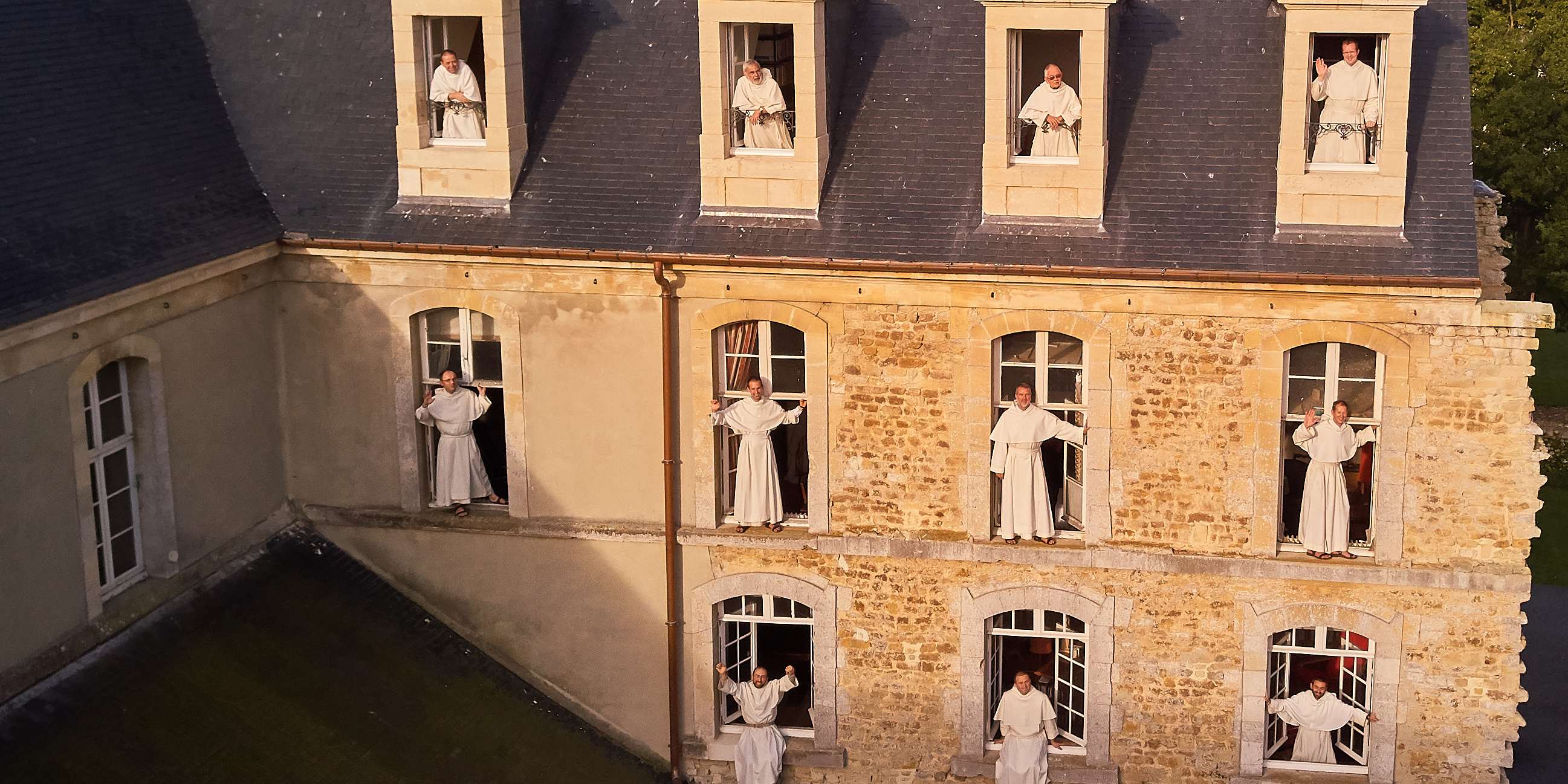 WINDOWS FRIARS
