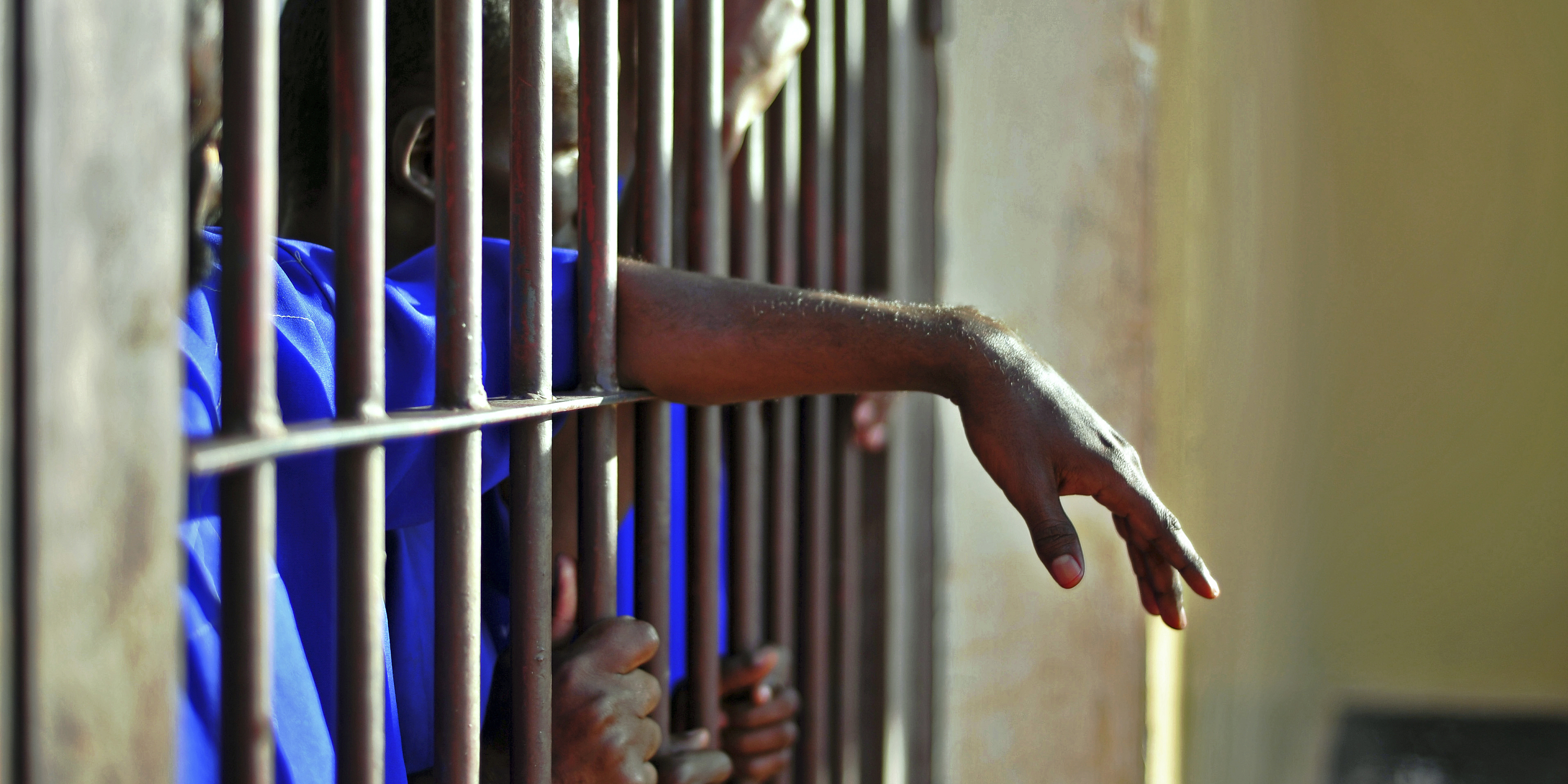 HAND PRISON