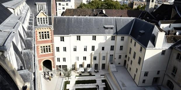 CATHOLIC INSTITUTE PARIS