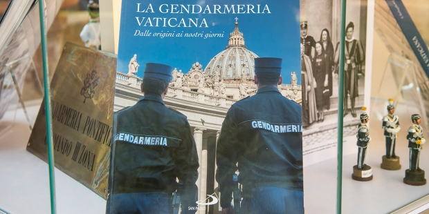 Book Gendarmerie Vatican