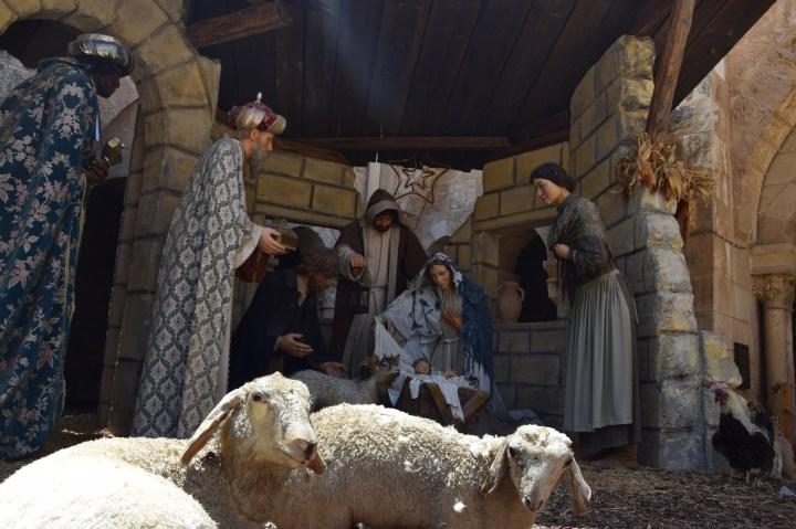 Crèche dans le cloître de la basilique de la Nativité à Bethléem