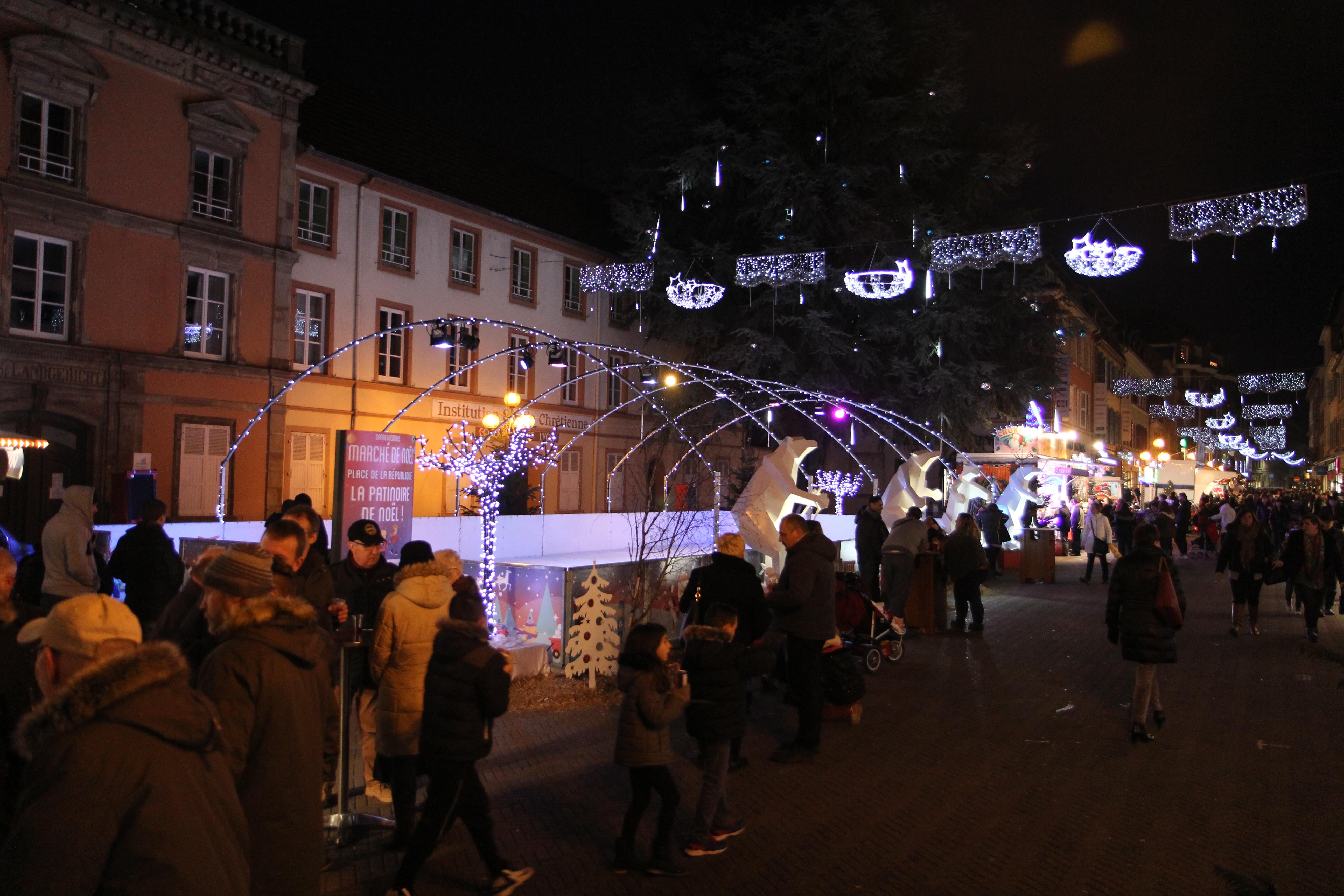 Le marché de Noël de Sarreguemines en Lorraine dans la Moselle