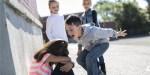 ENFANTS HARCELANTS UNE PETITE FILLE