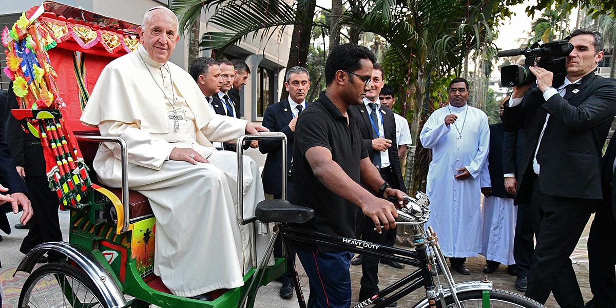 POPE FRANCIS,RICKSHAW