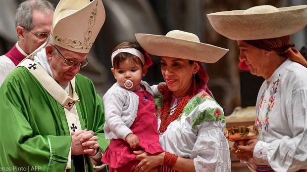 POPE MIGRANTS