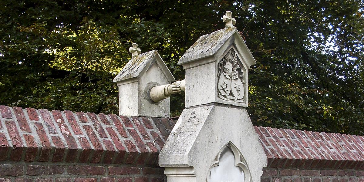 Tombs in the hands Graf met de handjes