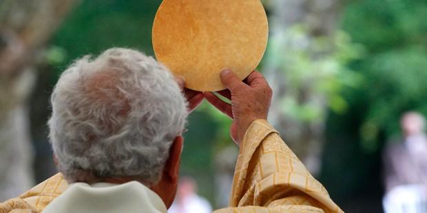 CATHOLIC MASS EUCHARIST