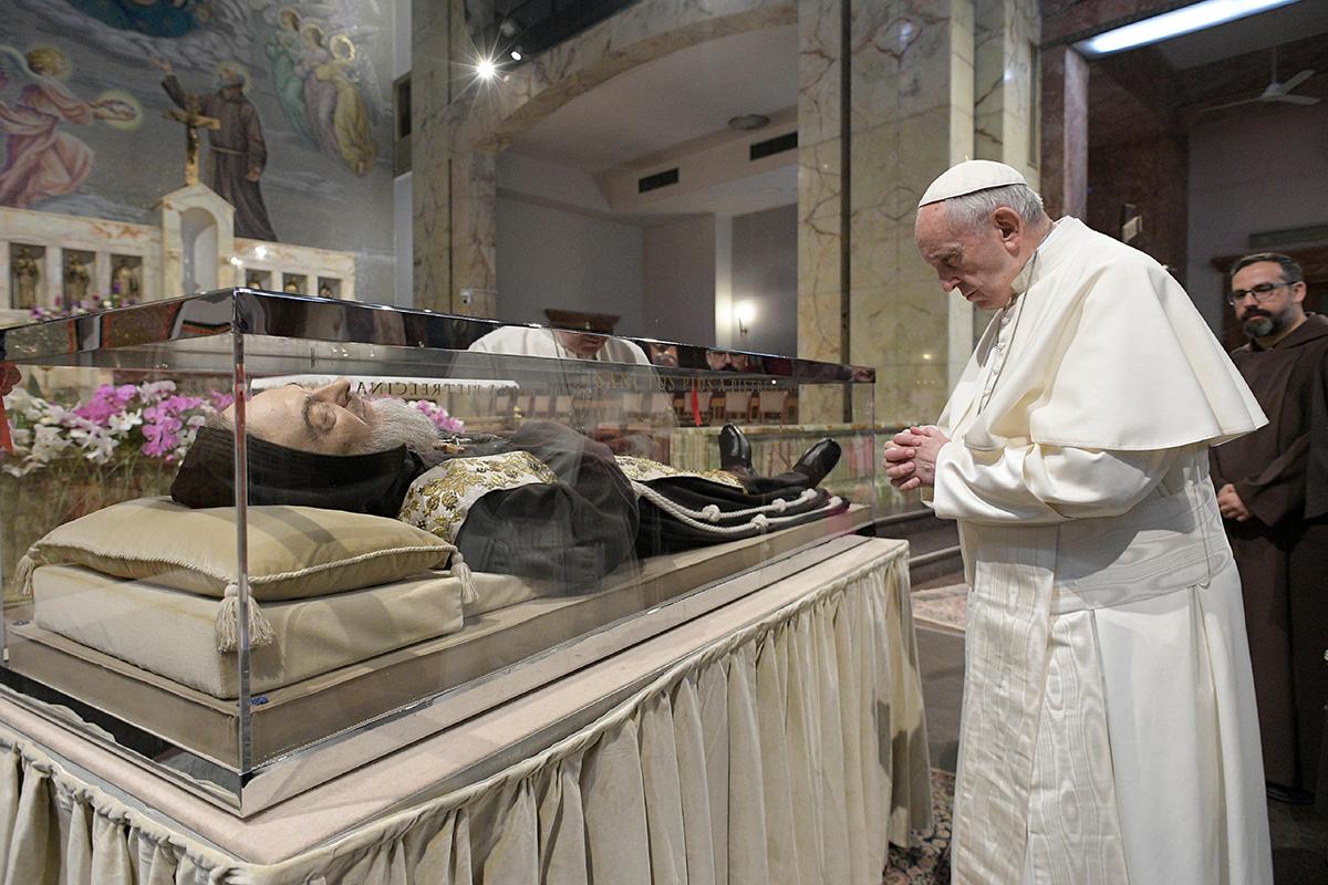 POPE FRANCIS PIETRELCINA