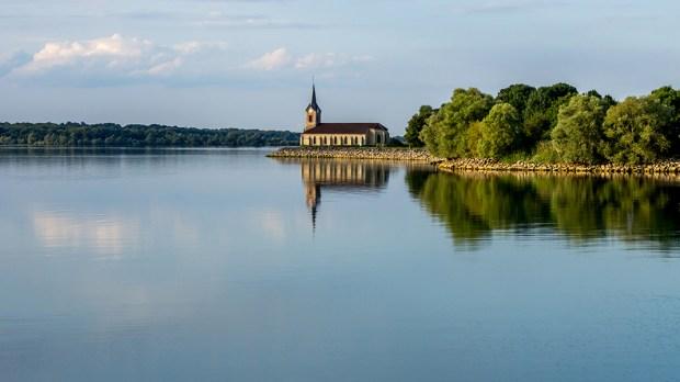 LAKE OF DER-CHANTECOQ IN FRANCE