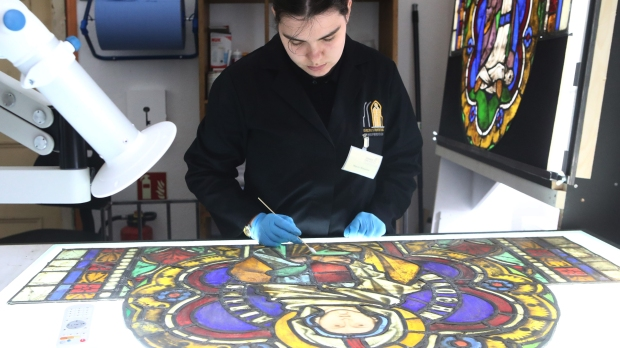 RESTORER STAINED GLASS