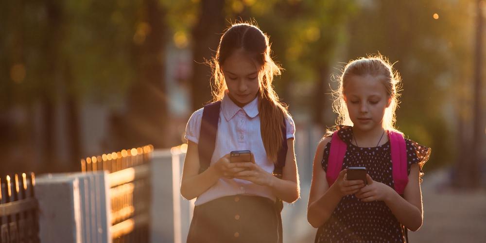 KIDS SMARTPHONE