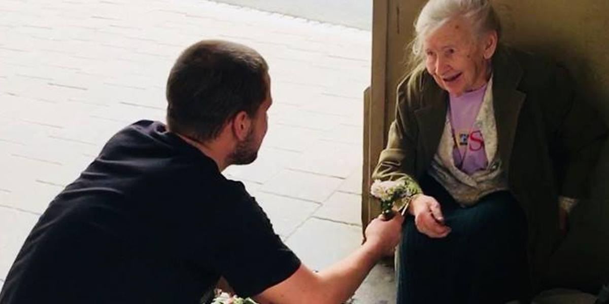 Fleurs pour une vielle dame
