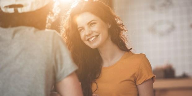 GIRL SMILING WITH BOYFRIEND