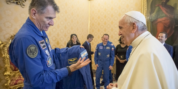 POPE FRANCIS MEETS ASTRONAUTS