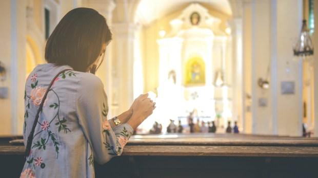 WOMAN,PRAYER,MASS