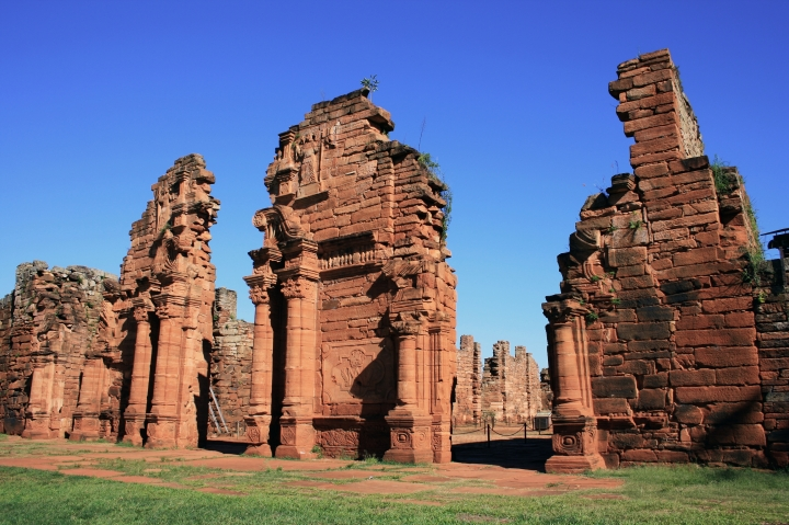 RUINES; PARAGUAY; MISSIONNAIRES