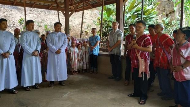 prêtre karen Thaïlande