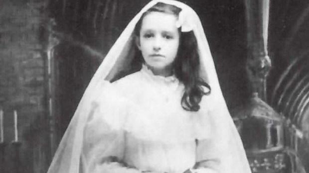 Dina Bélanger, first communion