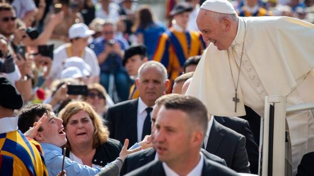 POPE AUDIENCE JUN 05