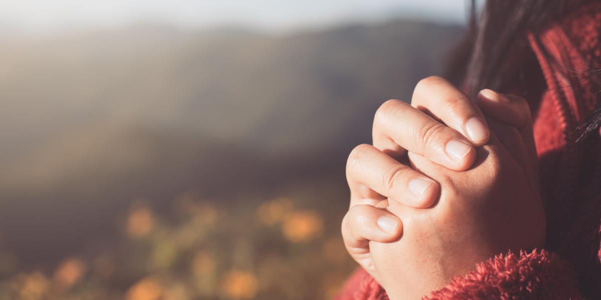 prière mains