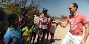 Un volontaire en Angola.
