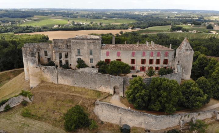 Le château de Benauge
