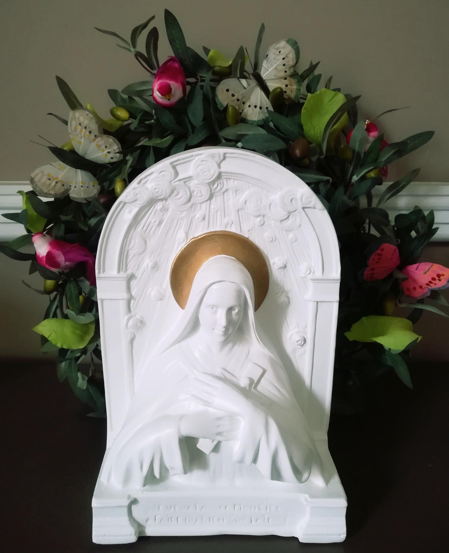 Statue de sainte thérèse