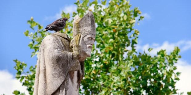 statue saint denis montmartre